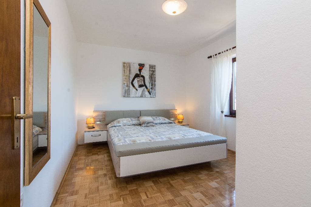 Ferienwohnung Apartments are situated at Ugljan on the north part of island of Ugljan,in an oasis of peace in Susica, Norddalmatien Insel Ugljan Kroatija Bedroom