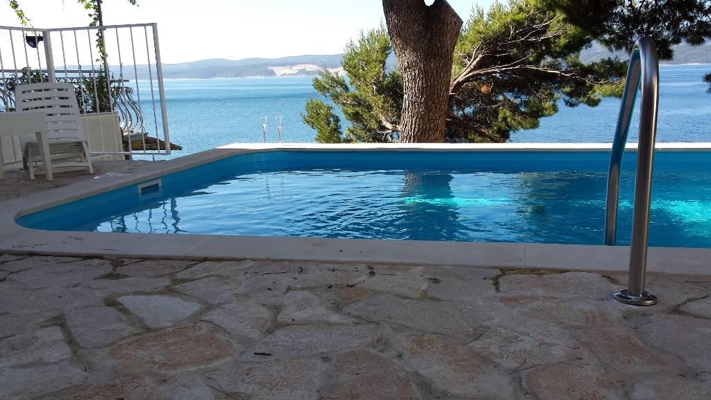 Ferienhaus in omis omis mit pool meerblick hund erlaubt - Pool am haus ...